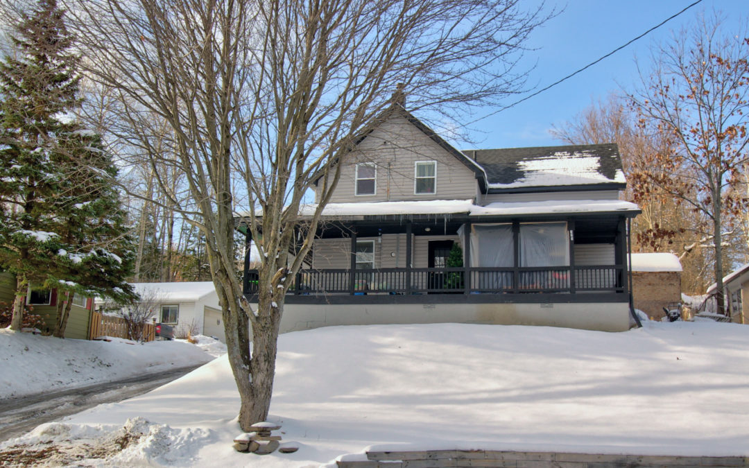 Burk's Falls 4 Bedroom Family Home – SOLD