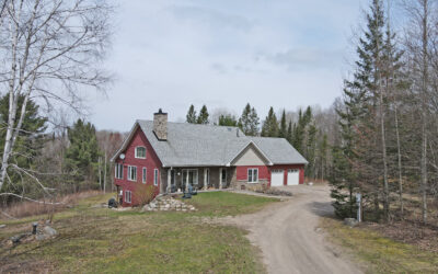 Bungalow on 23+ Acres – SOLD
